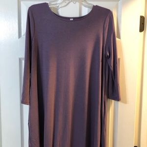 Nwot 3/4 sleeve lilac tunic with pockets. Size Xl